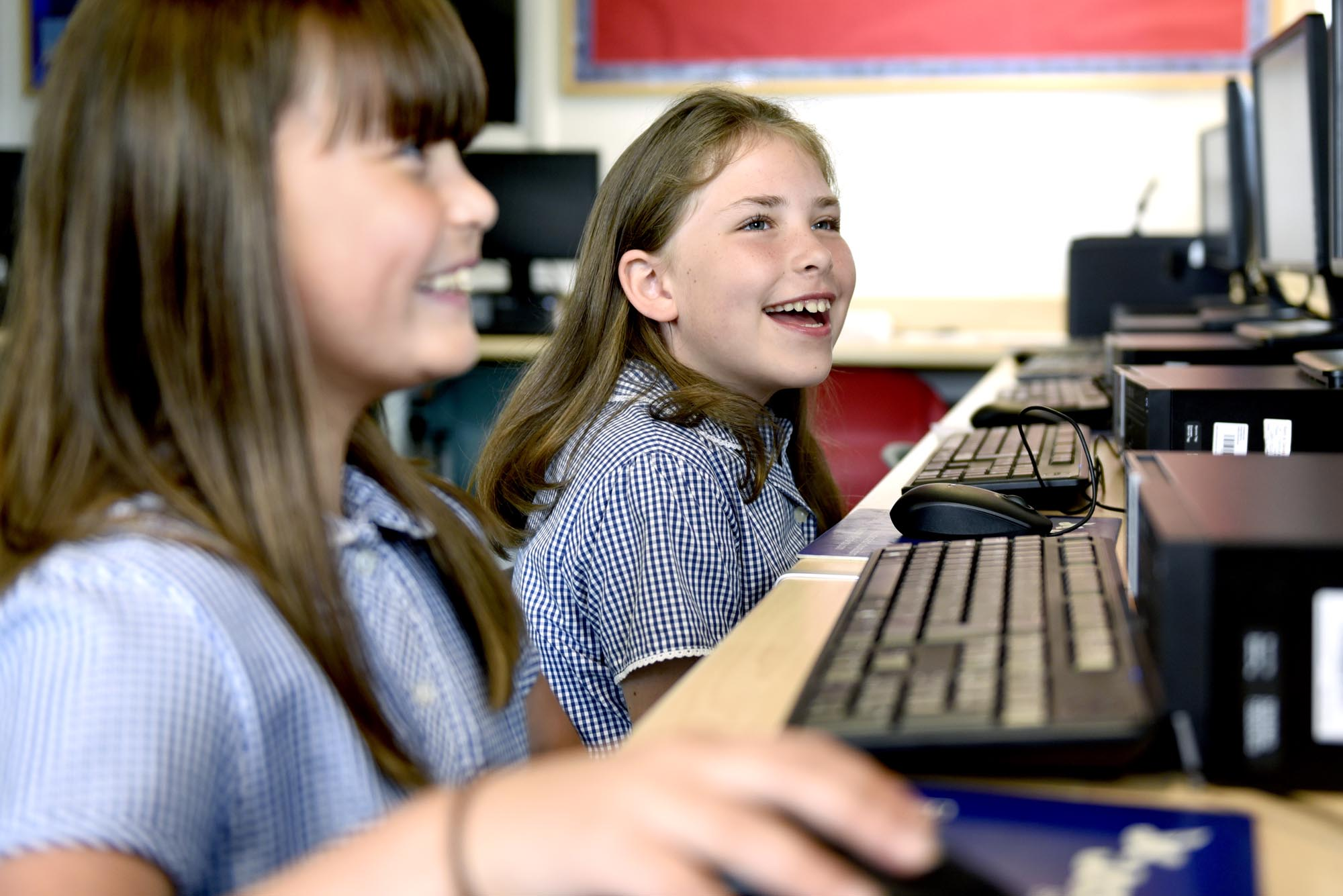 Pupils learning with computers