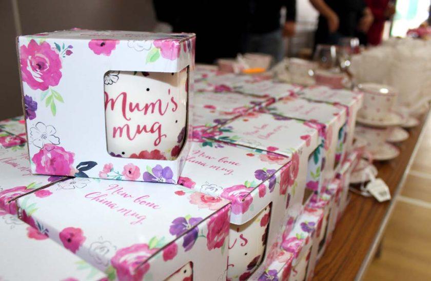 """Mugs with """"Mum's mug"""" printed on them"""